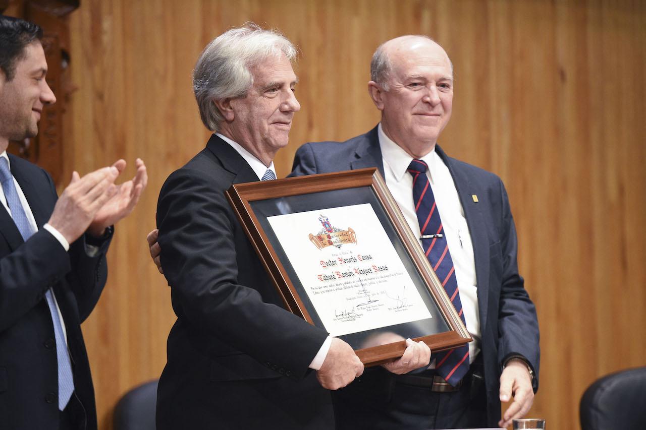 El presidente de Uruguay y el rector general Miguel Angel Navarro Navarro