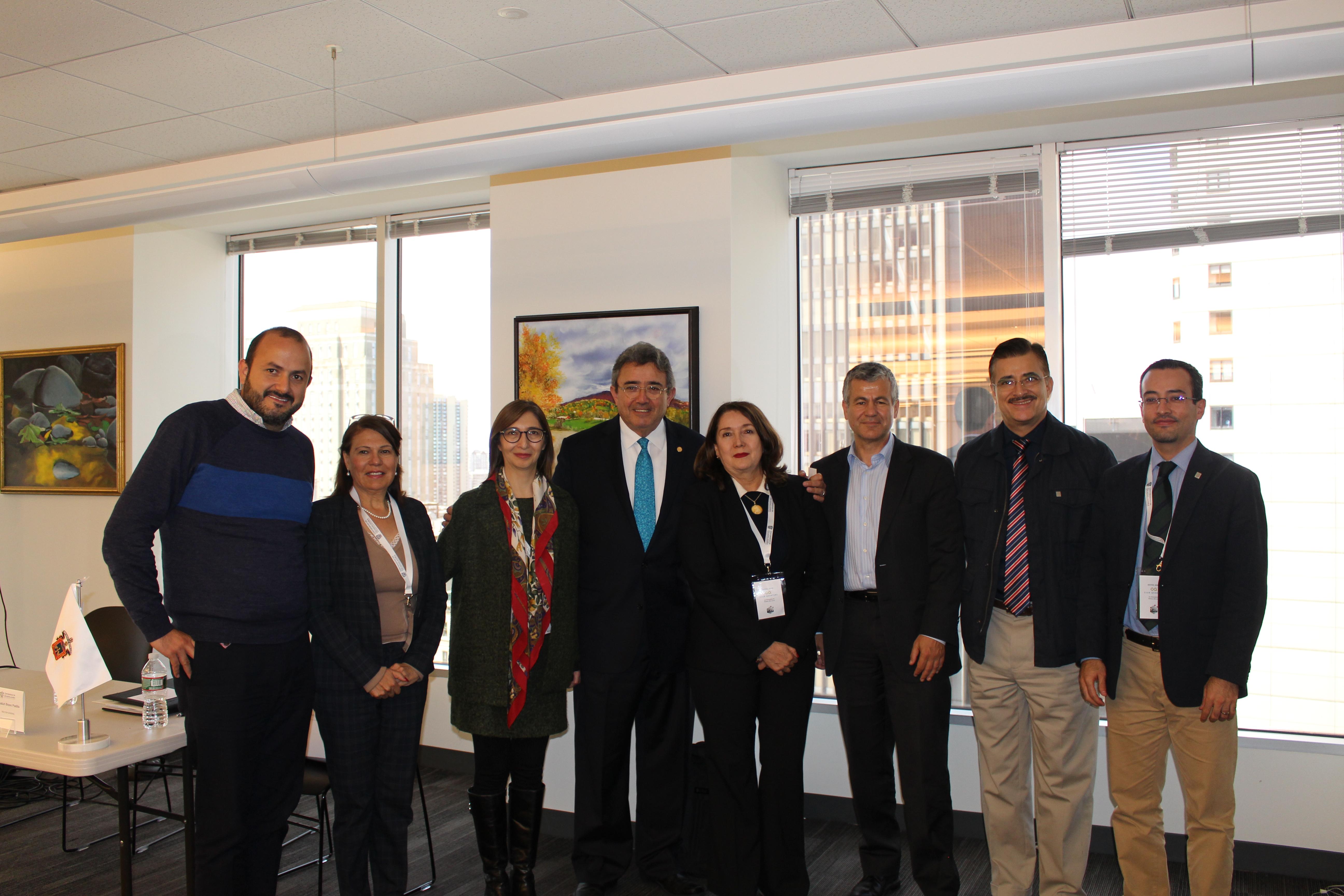 """Autoridades de la Red Universitaria, participando en el """"III Seminario Internacional en Boston"""""""