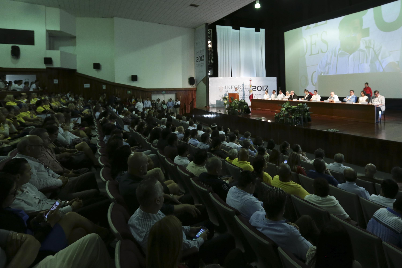 Auditorio del CUCOSTA a su máxima capacidad durante el Informe de Actividades 2017