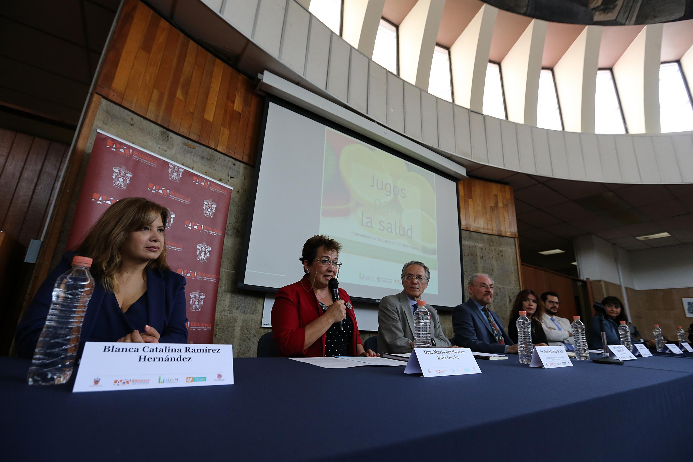 doctora María del Rosario Ruiz Durán, del Centro Universitario de Ciencias de la Salud (CUCS).