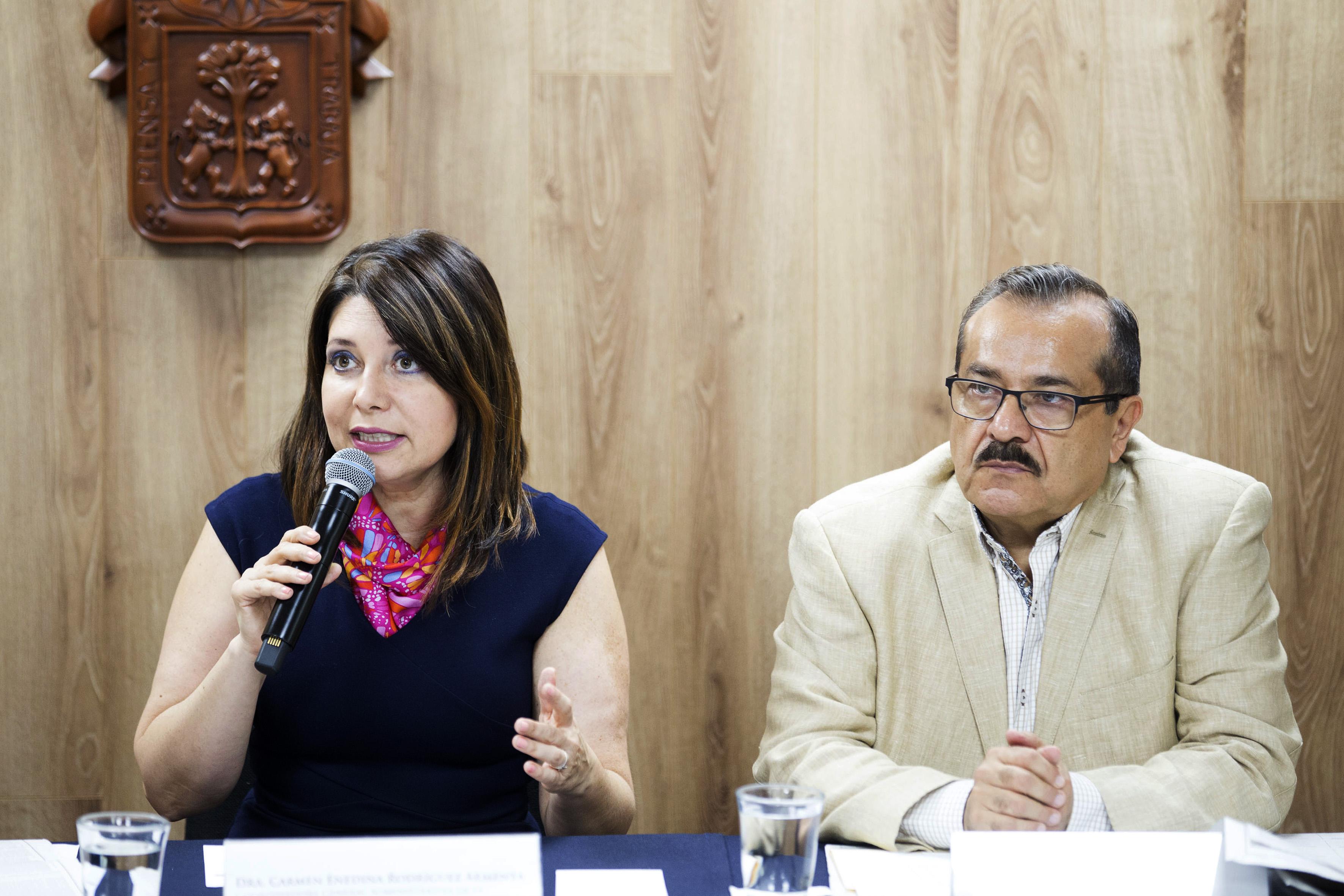 Doctora Carmen Enendina Rodriguez Armenta Haciendo uso de la palabra