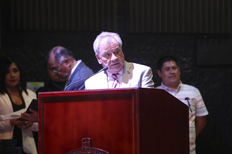 El Director de la Preparatoria 6, maestro Salvador Muñoz García, en uso de la palabra