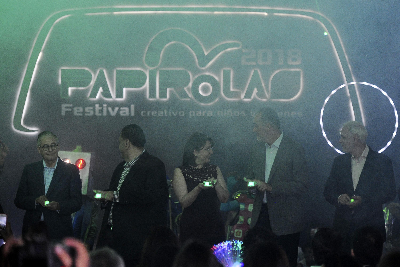 Invitados y autoridades que estuvieron presentes en la apertura del vigésimo tercer Festival Papirolas 2018.