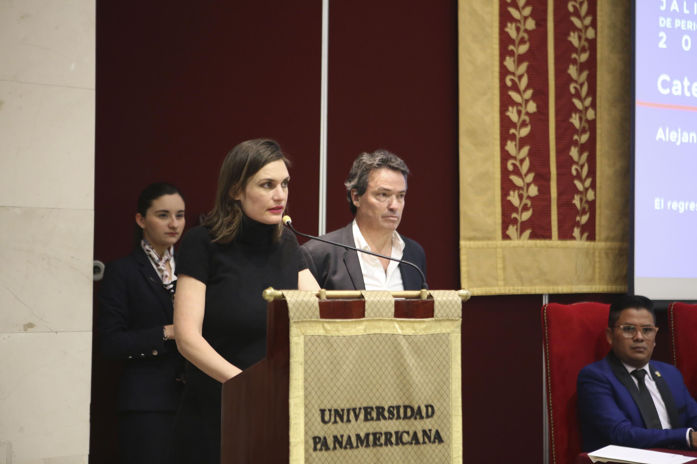 Alejandra del Rocío Guillén, ganadora en categoría de Reportaje junto con Diego Petersen Farah