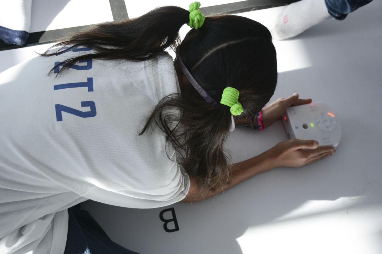 """Alumna participando en el encuentro de robótica """"R2T2 Operation Richter"""