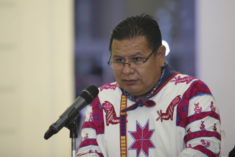 Durante el anuncio El maestro Gabriel Pacheco Salvador es el Presidente de la Comisión Interinstitucional del PLIA