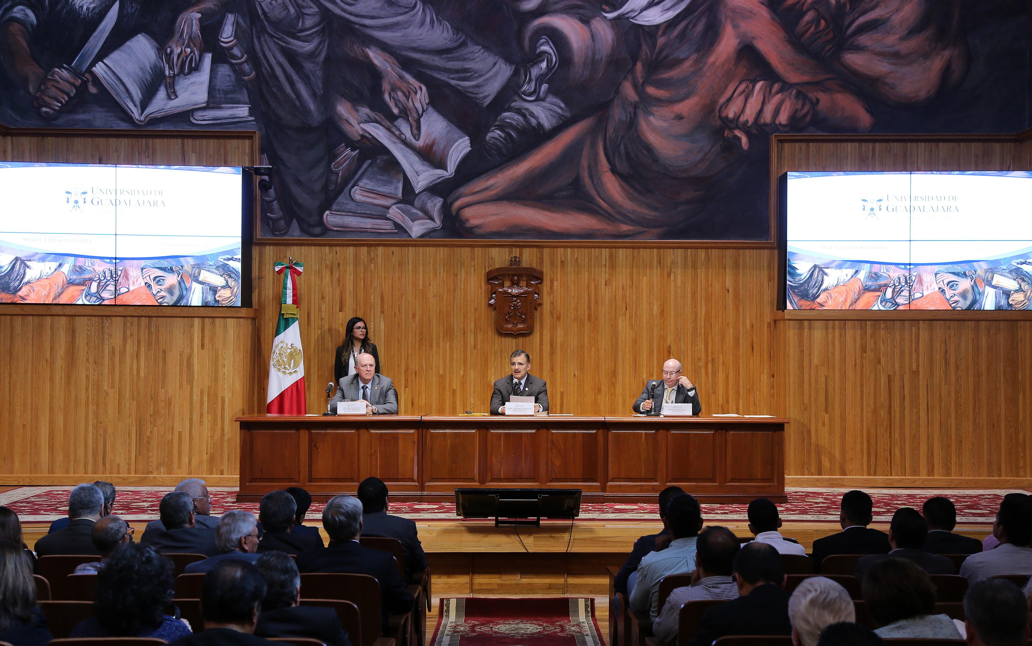 Consejo General Universitario (CGU), de la Universidad de Guadalajara (UdeG), en sesión extraordinaria