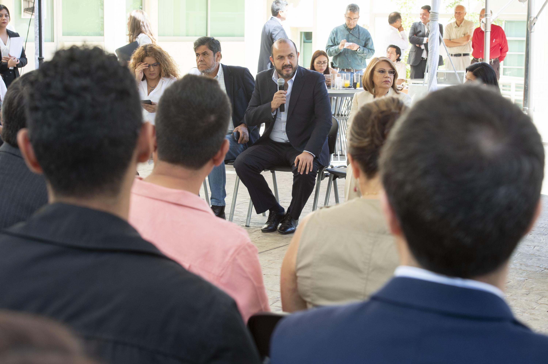 El Rector General de la Universidad de Guadalajara (UdeG), doctor Ricardo Villanueva Lomelí, en uso de la palabra.
