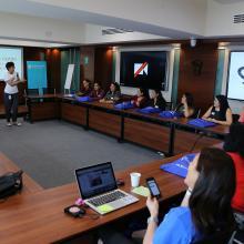 Imparten el Taller IGFem-Boot Camp en el edificio de Rectoría General de la UdeG