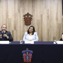 Rueda de prensa convocada por la Universidad de Guadalajara para dar a conocer los pormenores de las nuevas licenciaturas a cursar.