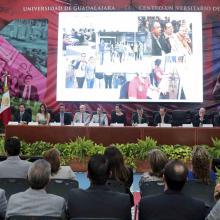 Rector del CUSur,  Ricardo Xicoténcatl García Cauzor haciendo uso de la palabra durante su informe de actividades