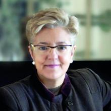 la escritora, crítica literaria y académica de la Universidad de Barcelona, en España, Anna Caballé