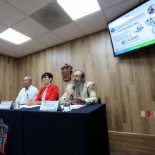 Doctores en rueda de prensa para informar sobre los  Módulos de Medicina Interna  y de Urgencias