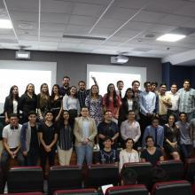 """Estudiantes del CUCEI participan en el capítulo universitario Hult Price, considerado el """"Premio Nobel"""" de los estudiantes"""