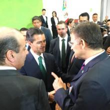 Enrique Peña Nieto e Itzcóatl Tonatiuh Bravo Padilla