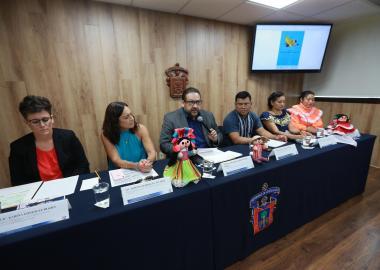 Autoridades de la Universidad de Guadalajara así como del gobierno de Zapopán y Tlaquepaque en rueda de prensa
